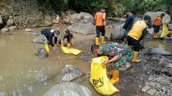 Musim Penghujan, Dansub 8 Sektor 22 Citarum Harum Bersama Kasi Ekbang Ciumbuleuit Ajak Masyarakat Peduli Kebersihan Sungai
