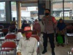 Kanit Binmas Polsek Cipaku Polres Ciamis Monitoring Penyaluran Bantuan BLT DD
